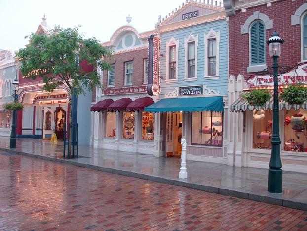 Главная улица Диснейленда «Main Street»