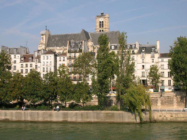 В сентябре в Париже стоит тёплая погода