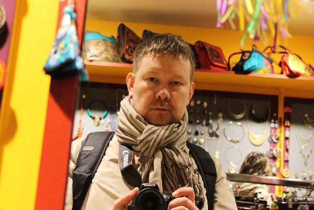 Французский шарфик преображает на глазах даже самое простое славянское лицо! ))