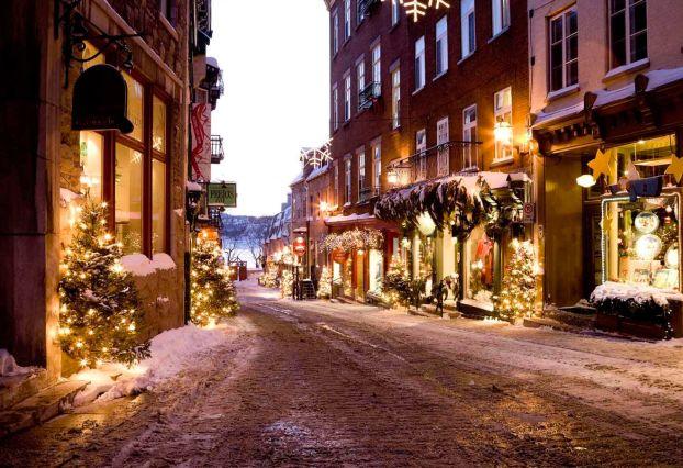 Некоторые районы Парижа в Рождество выглядят особо уютно и привлекательно