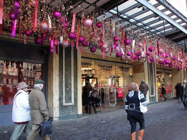 Зимние распродажи в Париже стартуют зимой в конце декабря